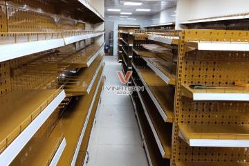 Vinatech hoàn thiện lắp đặt kệ siêu thị Nguyễn Anh Hòa Bình