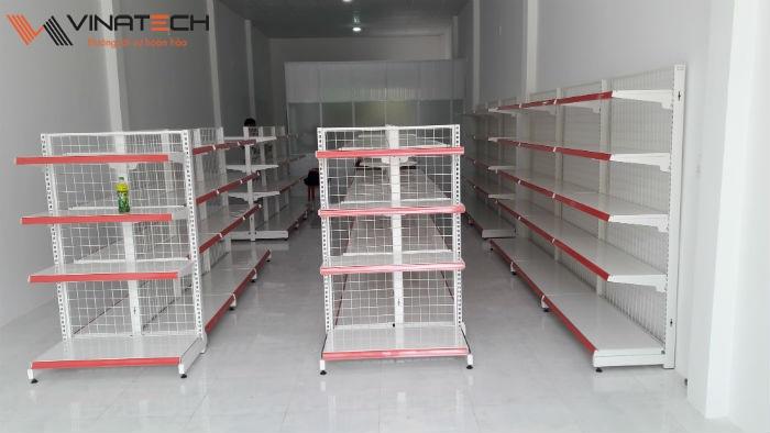 Lắp đặt cửa hàng bán lẻ cho anh Tuấn tại Đồng Nai