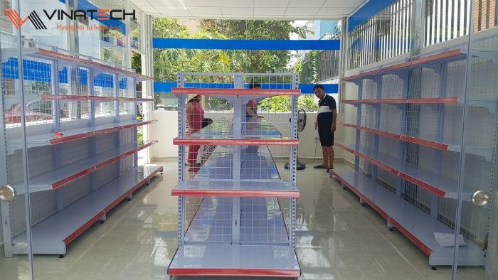 Lắp đặt cửa hàng tạp hóa cho chú Hoàng tại Tam Bình, Thủ Đức