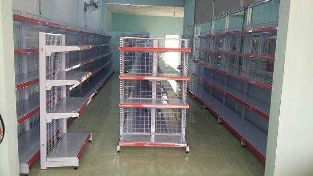 Lắp đặt giá kệ đẹp cho anh Giang tại Chơn Thành - Bình Phước