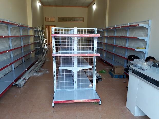 Vinatech triển khai lắp đặt cửa hàng tạp hóa cho anh Lợi tại Tây Ninh