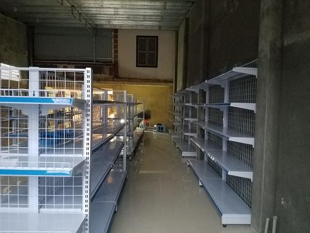 Hoàn thiện lắp đặt giá để đồ siêu thị cho anh Quyền tại Thạch Thất - Hà Nội