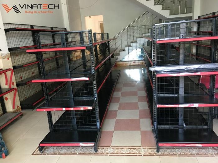 Lắp đặt giá kệ siêu thị mini cho anh Long tại Hoàng Văn Thụ, Đà Nẵng