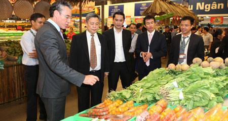 Bớt ngoại thêm nội, Hàng Việt đổi phận trên giá kệ siêu thị