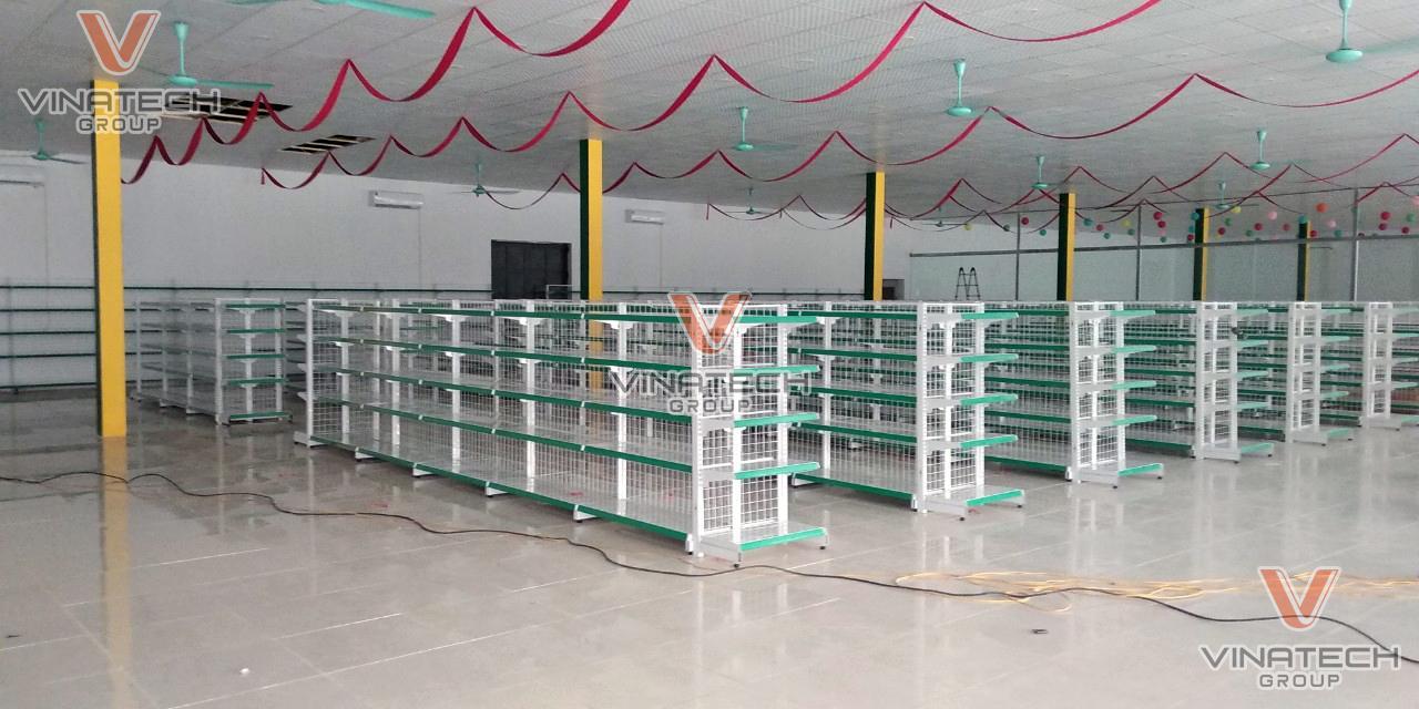 Vinatech lắp đặt hoàn thiện kệ siêu thị Cimi