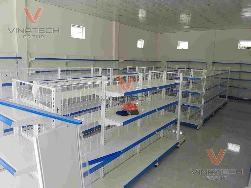Kệ trưng bày do Vinatech sản xuất