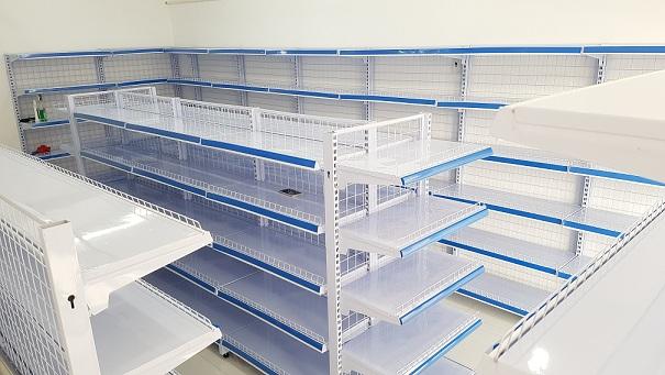 Lắp đặt kệ giá để đồ cho siêu thị của chị Oanh tại quận 7