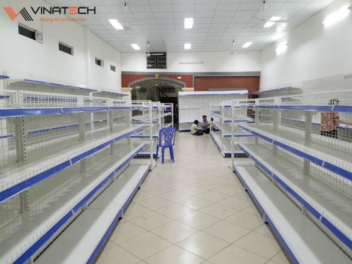 Lắp đặt siêu thị mini cho chị Hương tại Hưng Yên