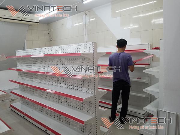 Kệ siêu thị lắp đặt cho cửa hàng anh Hưởng tại Hà Nội