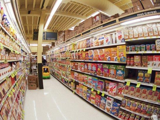 Chọn mua giá kệ siêu thị cho cửa hàng bánh kẹo