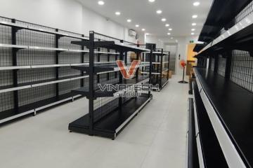 Vinatech lắp đặt kệ cửa hàng mỹ phẩm nhập khẩu tại Hồ Chí Minh