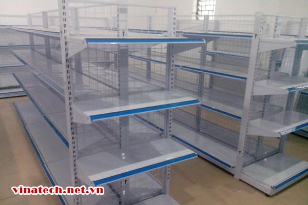 Hoàn thiện kệ siêu thị tại Quỳnh Lưu tỉnh Nghệ An