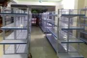 Tư vấn chọn kệ để hàng tạp hóa phù hợp với cửa hàng