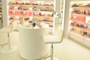 Mở cửa hàng mỹ phẩm cần bao nhiêu vốn, cần những gì?