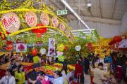 """""""Chiến lược"""" trưng bày hàng hóa hút khách trên kệ bán hàng siêu thị mini ngày cận tết"""