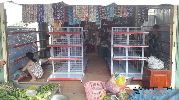 Lắp đặt cửa hàng tạp hóa cho chị Phương tại Chơn Thành, Bình Phước