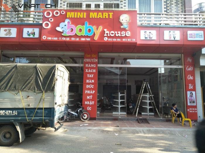 Lắp đặt cửa hàng mẹ và bé cho chị Cảnh tại Yên Lạc, Vĩnh Phúc