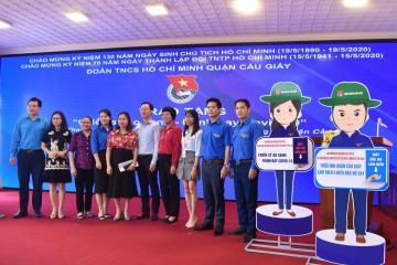 Vinatech Group cùng thành đoàn Quận Cầu Giấy trao quà và khen thưởng về công tác ủng hộ phòng chống dịch covid-19